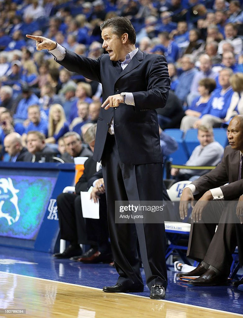 <a gi-track='captionPersonalityLinkClicked' href=/galleries/search?phrase=John+Calipari&family=editorial&specificpeople=619983 ng-click='$event.stopPropagation()'>John Calipari</a> the head coach of the Kentucky Wildcats gives instructions to his team during the game against the South Carolina Gamecocks at Rupp Arena on February 5, 2013 in Lexington, Kentucky.