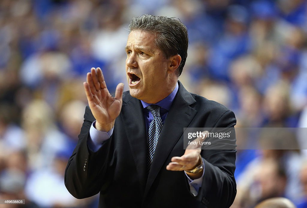 <a gi-track='captionPersonalityLinkClicked' href=/galleries/search?phrase=John+Calipari&family=editorial&specificpeople=619983 ng-click='$event.stopPropagation()'>John Calipari</a> the head coach of the Kentucky Wildcats gives instructions to his team during the game against the Florida Gators at Rupp Arena on February 15, 2014 in Lexington, Kentucky.