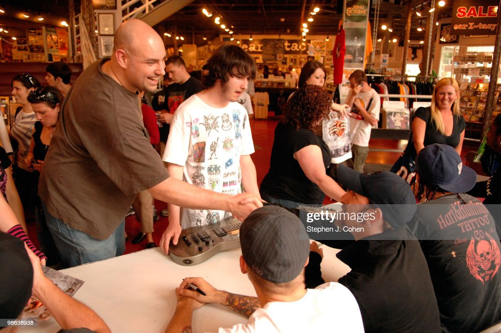 John Connolly attends the Sevendust signing in-store at Ear-X-Tacy on April 22, 2010 in Louisville, Kentucky.
