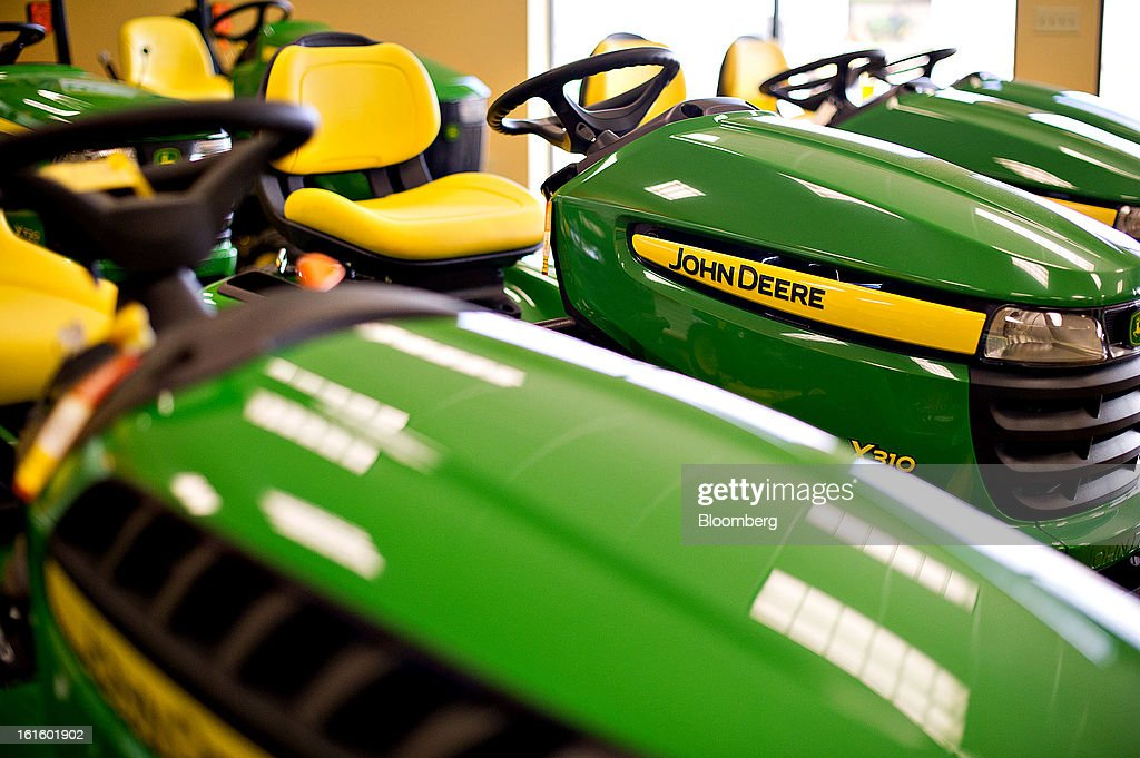 John Deere lawn tractors sit on display at Klein Equipment, a John Deere dealership, in Galesburg, Illinois, U.S., on Tuesday, Feb. 12, 2013. Deere & Co., the world's largest maker of agricultural equipment, is scheduled to release quarterly earnings on Feb. 13. Photographer: Daniel Acker/Bloomberg via Getty Images