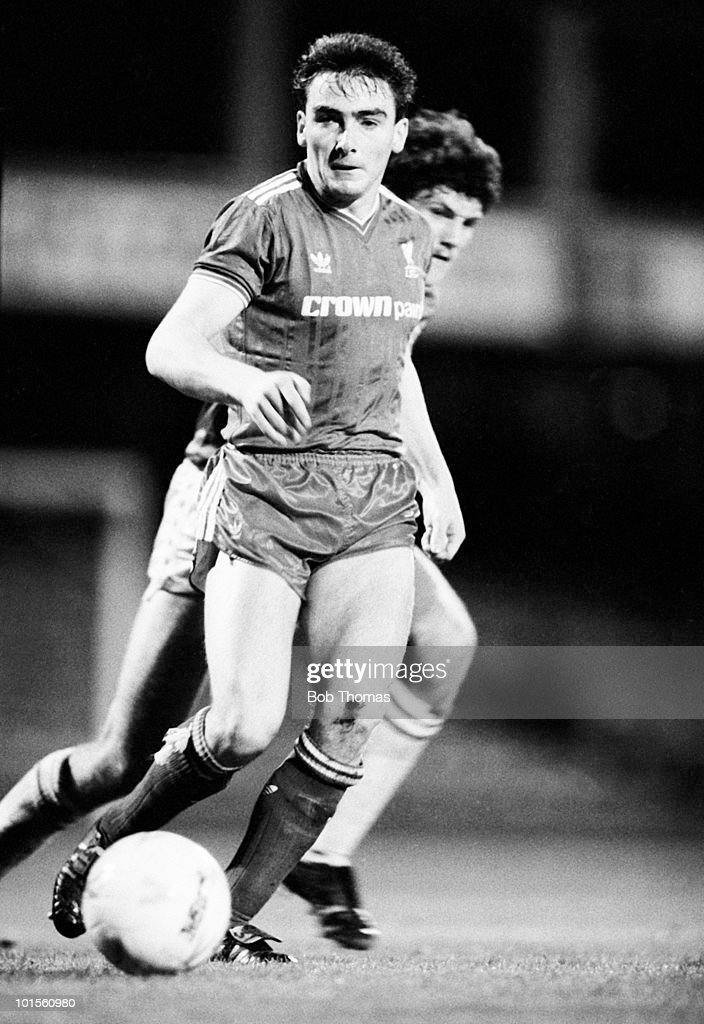 John Durnin of the Liverpool Reserves in action against Leicester City Reserves in a football match held at Filbert Street, Leicester on 26th August 1986. The match ended in a 1-1 draw. (Bob Thomas/Getty Images).