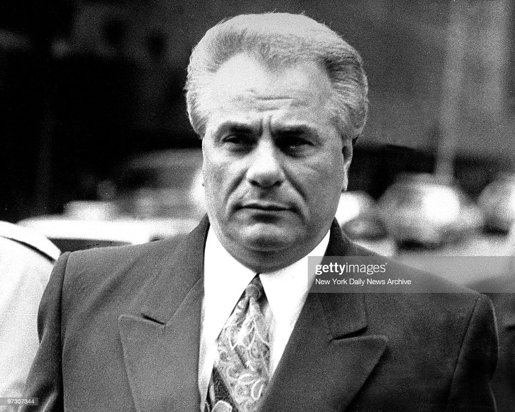 John Gotti arrives at Manhattan Supreme Court where he is on trial on charges of conspiracy and assault for the 1986 shooting of a carpenter's union official.