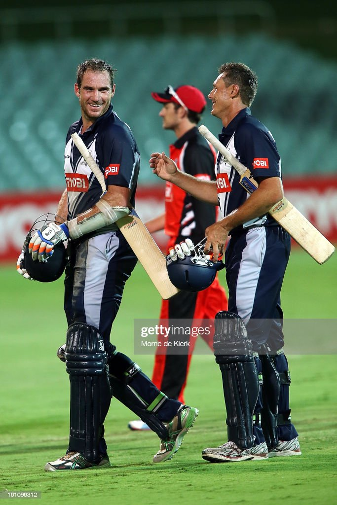 John Hastings (L) and Darren Pattinson (R) of the Bushrangers is leaves the field after the Ryobi One Cup Day match between the South Australian Redbacks and the Victorian Bushrangers at Adelaide Oval on February 9, 2013 in Adelaide, Australia.