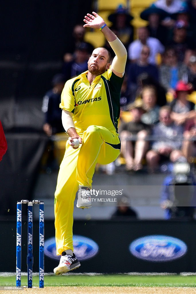 John Hastings of Australia bowls during the 2nd one-day international cricket match between New Zealand and Australia at Westpac Stadium in Wellington on February 6, 2016. AFP PHOTO / MARTY MELVILLE / AFP / Marty Melville