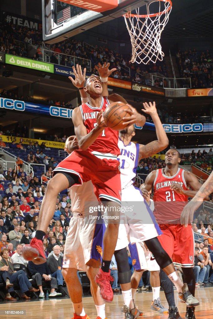 John Henson #31 of the Milwaukee Bucks drives to the basket against the Phoenix Suns on January 17, 2013 at U.S. Airways Center in Phoenix, Arizona.