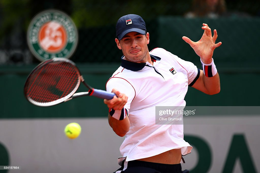 <a gi-track='captionPersonalityLinkClicked' href=/galleries/search?phrase=John+Isner+-+Tennis+Player&family=editorial&specificpeople=4439464 ng-click='$event.stopPropagation()'>John Isner</a> of the United States plays a forehand during the Men's Singles second round match against Kyle Edmund of Great Britain on day four of the 2016 French Open at Roland Garros on May 25, 2016 in Paris, France.