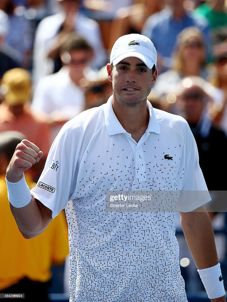 <a gi-track='captionPersonalityLinkClicked' href=/galleries/search?phrase=John+Isner+-+Tennis+Player&family=editorial&specificpeople=4439464 ng-click='$event.stopPropagation()'>John Isner</a> of the United States reacts after defeating Jan-Lennard Struff of Germany during their men's singles second round match on Day Four of the 2014 US Open at the USTA Billie Jean King National Tennis Center on August 28, 2014 in the Flushing neighborhood of the Queens borough of New York City.
