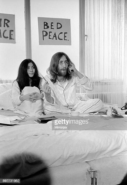 John Lennon and Yoko talking to Donald Zec about their seven day event at the Amsterdam Hilton Hotel March 1969 Z03078012