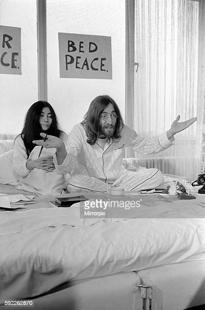 John Lennon and Yoko talking to Donald Zec about their seven day event at the Amsterdam Hilton Hotel March 1969 Z03078013