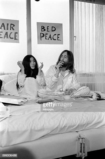 John Lennon and Yoko talking to Donald Zec about their seven day event at the Amsterdam Hilton Hotel March 1969 Z03078011