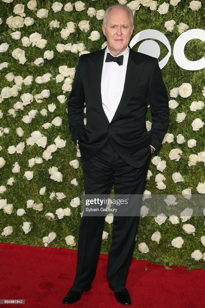 john-lithgow-attends-the-2017-tony-awards-at-radio-city-music-hall-on-picture-id694981942