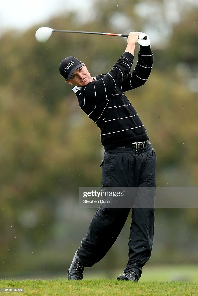 John Mallinger hits his tee shot on the second hole during the second round of the Farmers Insurance Open on the South Course at Torrey Pines Golf Course on January 25, 2013 in La Jolla, California.
