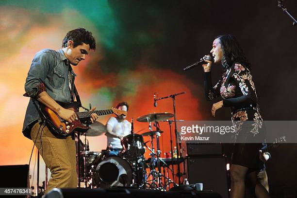 John Mayer and Katy Perry perform at Barclays Center of Brooklyn on December 17 2013 in New York City