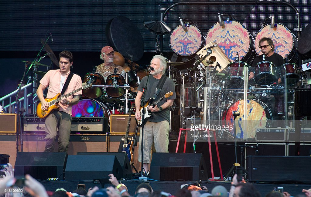 <a gi-track='captionPersonalityLinkClicked' href=/galleries/search?phrase=John+Mayer&family=editorial&specificpeople=201930 ng-click='$event.stopPropagation()'>John Mayer</a>, <a gi-track='captionPersonalityLinkClicked' href=/galleries/search?phrase=Bill+Kreutzmann&family=editorial&specificpeople=1144269 ng-click='$event.stopPropagation()'>Bill Kreutzmann</a>, <a gi-track='captionPersonalityLinkClicked' href=/galleries/search?phrase=Bob+Weir&family=editorial&specificpeople=208877 ng-click='$event.stopPropagation()'>Bob Weir</a> and <a gi-track='captionPersonalityLinkClicked' href=/galleries/search?phrase=Mickey+Hart&family=editorial&specificpeople=224975 ng-click='$event.stopPropagation()'>Mickey Hart</a> of Dead & Company perform in concert at Citi Field on June 25, 2016 in the Queens borough of New York City.