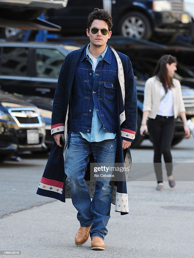 <a gi-track='captionPersonalityLinkClicked' href=/galleries/search?phrase=John+Mayer&family=editorial&specificpeople=201930 ng-click='$event.stopPropagation()'>John Mayer</a> is seen in Soho on April 14, 2013 in New York City.