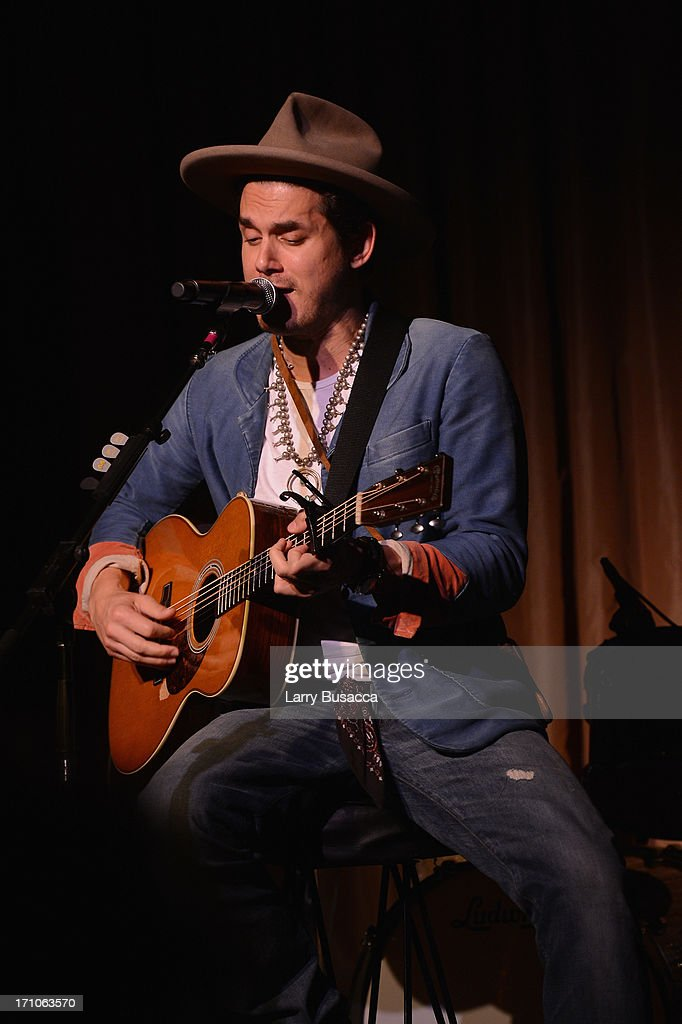 <a gi-track='captionPersonalityLinkClicked' href=/galleries/search?phrase=John+Mayer&family=editorial&specificpeople=201930 ng-click='$event.stopPropagation()'>John Mayer</a> perfoms at a luncheon honoring Rob Stringer as UJA-Federation of New York Music Visionary of 2013 at The Pierre Hotel on June 21, 2013 in New York City.