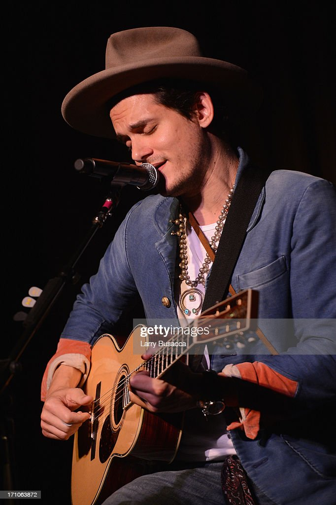 John Mayer perfoms onstage at a luncheon honoring Rob Stringer as UJA-Federation of New York Music Visionary of 2013 at The Pierre Hotel on June 21, 2013 in New York City.
