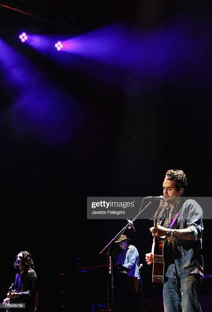 John Mayer performs at Nikon at Jones Beach Theater on August 28, 2013 in Wantagh, New York.