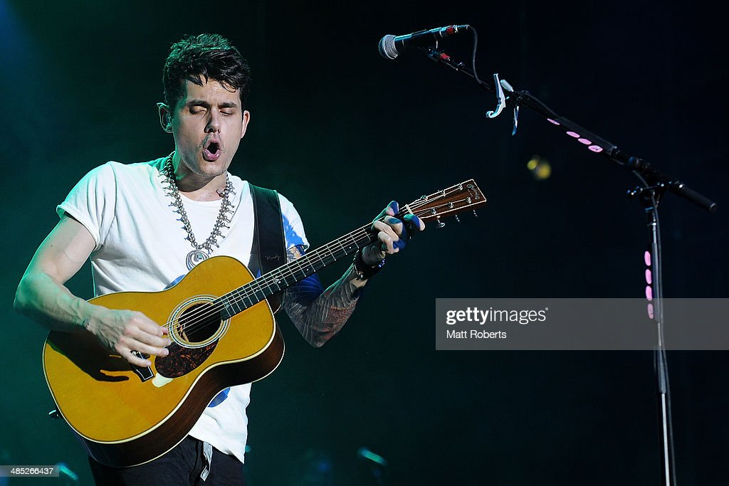 <a gi-track='captionPersonalityLinkClicked' href=/galleries/search?phrase=John+Mayer&family=editorial&specificpeople=201930 ng-click='$event.stopPropagation()'>John Mayer</a> performs live for fans at the 2014 Byron Bay Bluesfest on April 17, 2014 in Byron Bay, Australia.