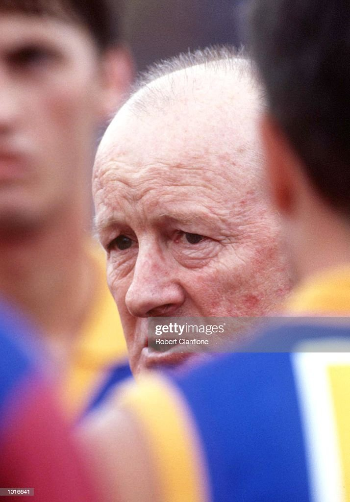 John Northey, Coach of Brisbane talks to his players, in the match between Hawthorn and the Brisbane Lions, during round five of the AFL season, played at Waverley Park, Melbourne, Australia. Mandatory Credit: Robert Cianflone/ALLSPORT