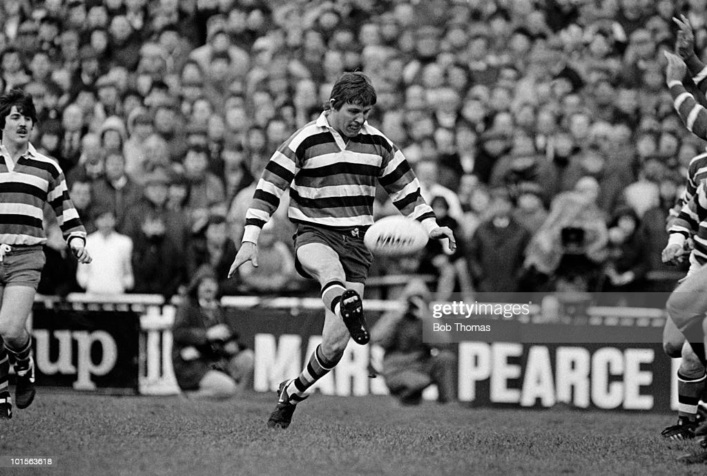 John Palmer of Bath in action against Leicester during the John Player Special Cup Semi-Final Rugby Union match held at Welford Road Stadium, Leicester on 5th April 1986. Bath beat Leicester 10-6. (Bob Thomas/Getty Images).