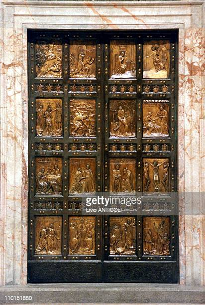 John Paul II opens the Holy Door of Saint Peter basilica in Rome Italy in December 24 1999