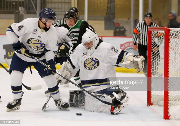 John Roberts of the Sioux Falls Stampede makes a save during the game against the Cedar Rapids RoughRiders on Day 2 of the USHL Fall Classic at UPMC...