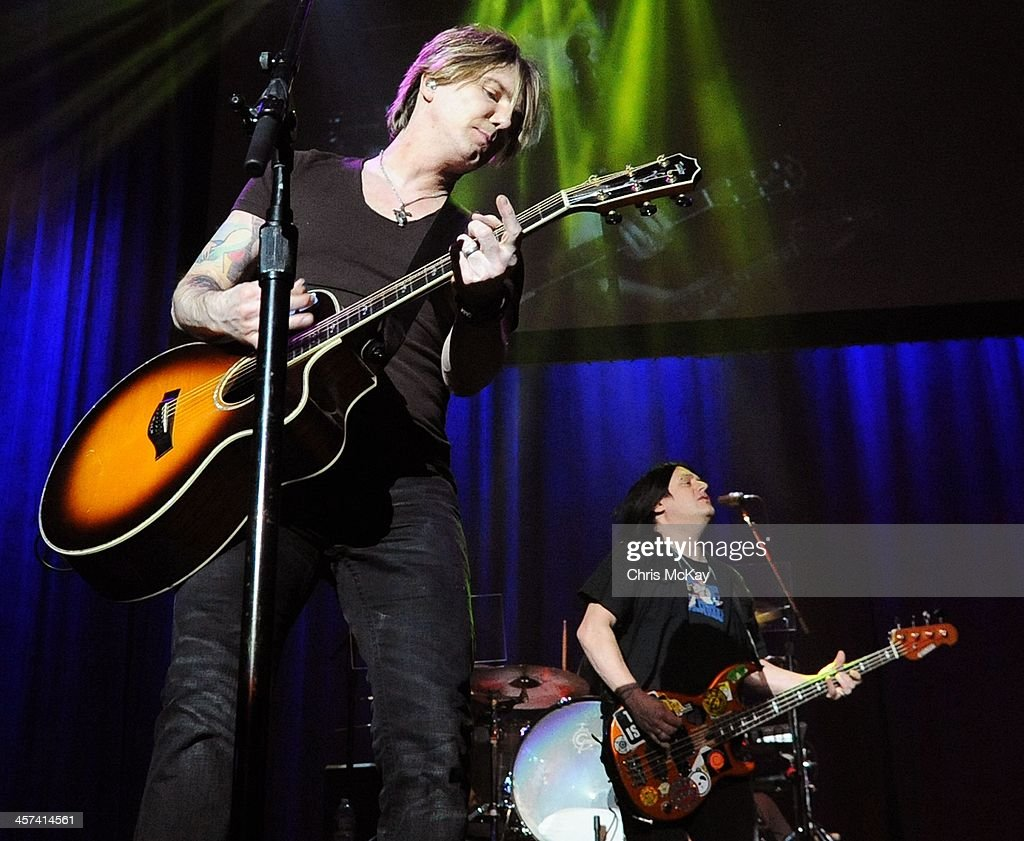 John Rzeznik and Robby Takac of Goo Goo Dolls perform during the 2013 Star 94 Jingle Jam at Arena at Gwinnett Center on December 16, 2013 in Duluth, Georgia.