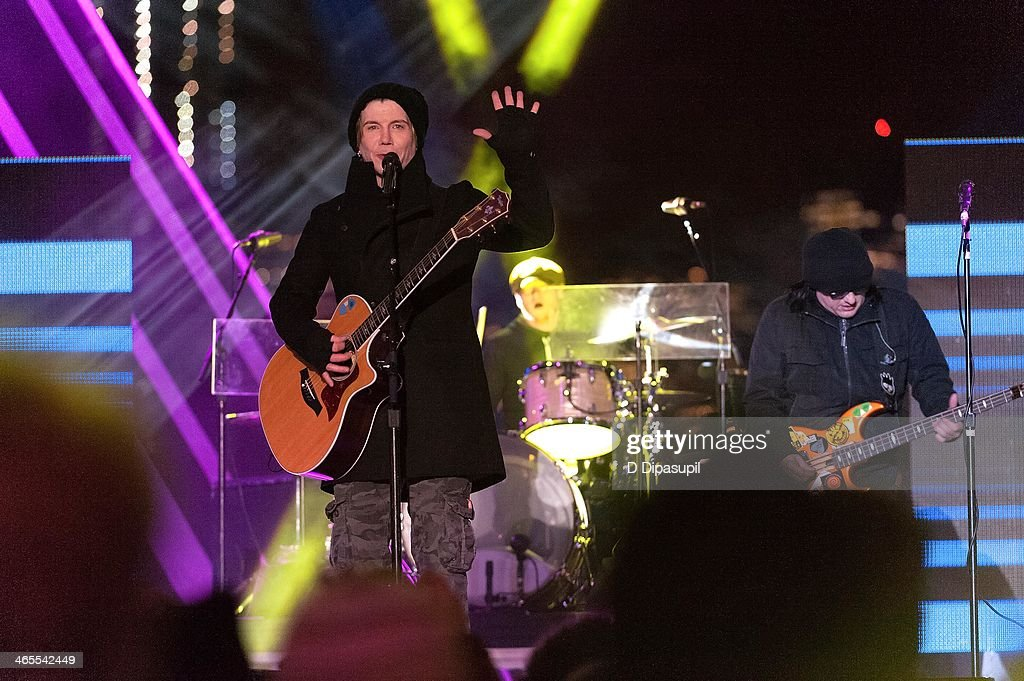 John Rzeznik (L) and Robby Takac of the Goo Goo Dolls perform on stage during the Super Bowl Kickoff Spectacular at Liberty State Park on January 27, 2014 in Jersey City, New Jersey.