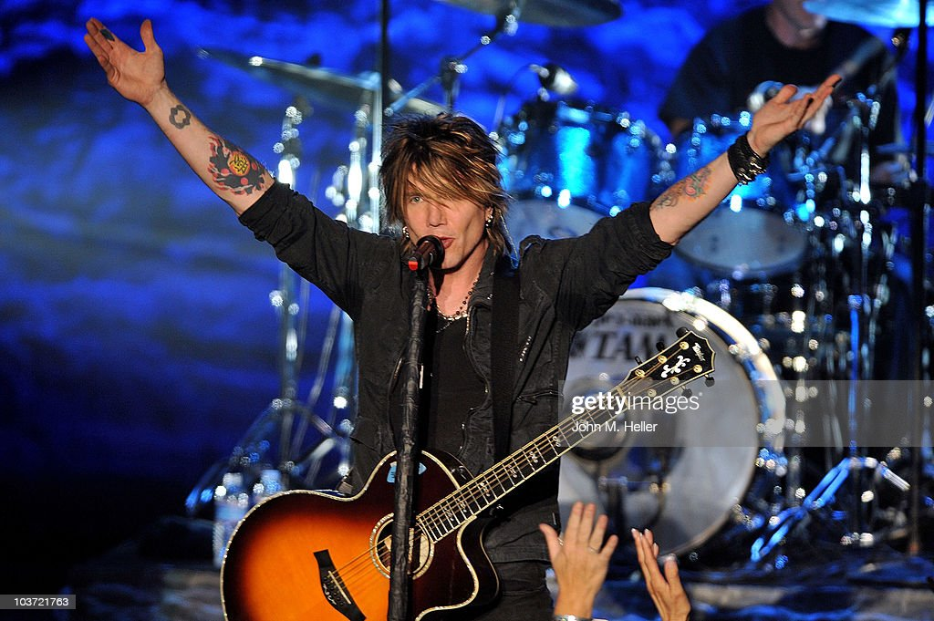 <a gi-track='captionPersonalityLinkClicked' href=/galleries/search?phrase=John+Rzeznik&family=editorial&specificpeople=220876 ng-click='$event.stopPropagation()'>John Rzeznik</a> lead singer of the Goo Goo Dolls performs at the Greek Theater on August 29, 2010 in Los Angeles, California.
