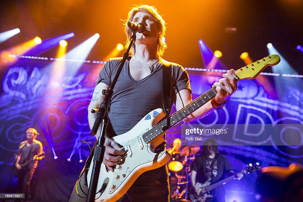 John Rzeznik of Goo Goo Dolls performs on stage at Hammersmith Apollo on October 25, 2013 in London, England.