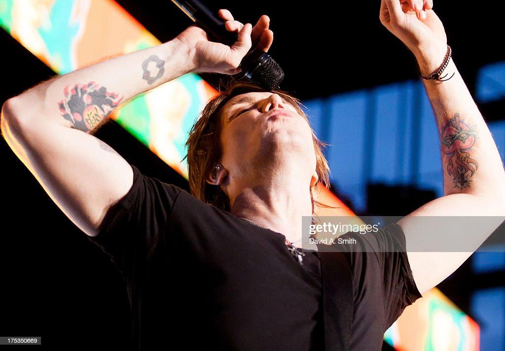 John Rzeznik of Goo-Goo Dolls performs at the Verizon Wireless Music Center on August 2, 2013 in Birmingham, Alabama.