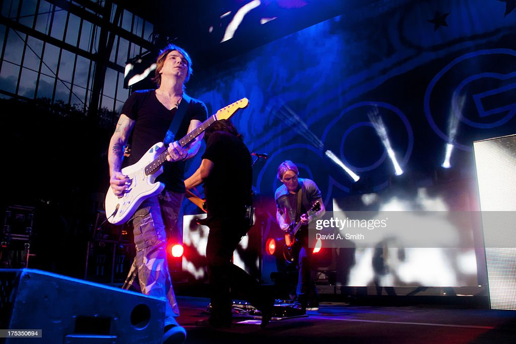 John Rzeznik of Goo-Goo Dolls performs at the Verizon Wireless Music Center on August 2, 2013 in Birmingham, Alabama.