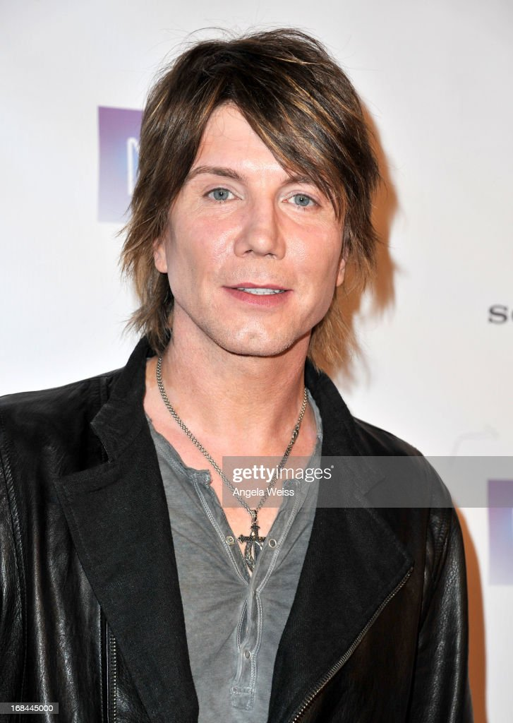 <a gi-track='captionPersonalityLinkClicked' href=/galleries/search?phrase=John+Rzeznik&family=editorial&specificpeople=220876 ng-click='$event.stopPropagation()'>John Rzeznik</a> of the Goo Goo Dolls attends the 2013 Music Biz Awards presented by NARM and digitalmusic.org at the Hyatt Regency Century Plaza on May 9, 2013 in Century City, California.