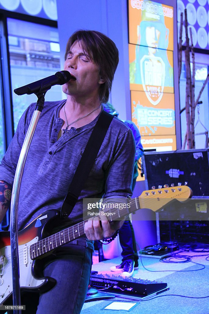 <a gi-track='captionPersonalityLinkClicked' href=/galleries/search?phrase=John+Rzeznik&family=editorial&specificpeople=220876 ng-click='$event.stopPropagation()'>John Rzeznik</a> of the Goo Goo Dolls band performs at the MLB Fan Cave on May 1, 2013 in New York City.