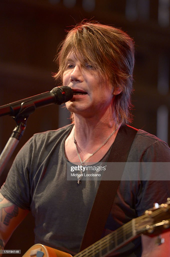 <a gi-track='captionPersonalityLinkClicked' href=/galleries/search?phrase=John+Rzeznik&family=editorial&specificpeople=220876 ng-click='$event.stopPropagation()'>John Rzeznik</a> of the Goo Goo Dolls performs at HGTV'S The Lodge At CMA Music Fest - Day 3 on June 8, 2013 in Nashville, Tennessee.
