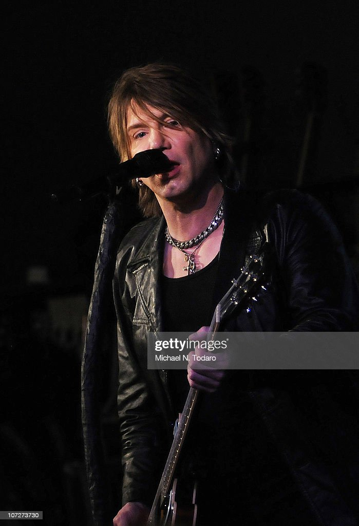 John Rzeznik of the 'Goo Goo Dolls' performs at the Apple Store Soho on December 2 2010 in New York City