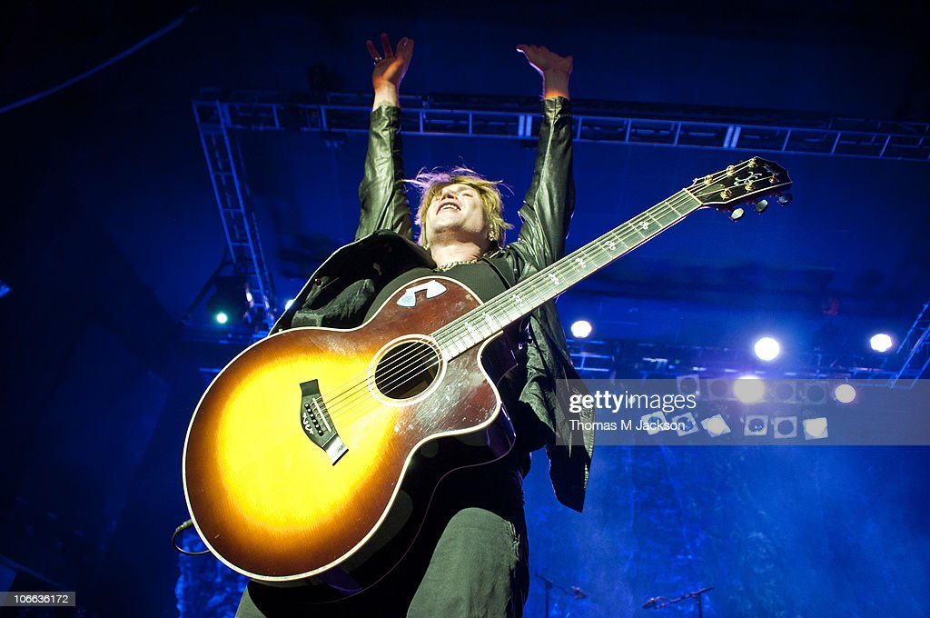 John Rzeznik of the Goo Goo Dolls performs on stage at O2 Academy on November 8, 2010 in Newcastle upon Tyne, England.