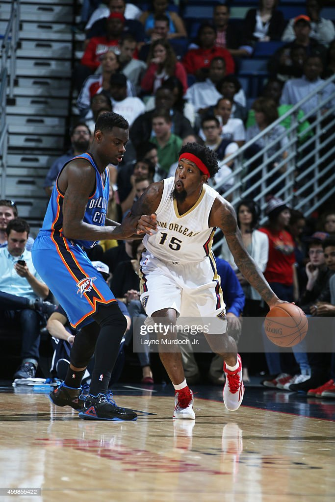 John Salmons of the New Orleans Pelicans handles the ball against the Oklahoma City Thunder during the game on December 2 2014 at the Smoothie King...