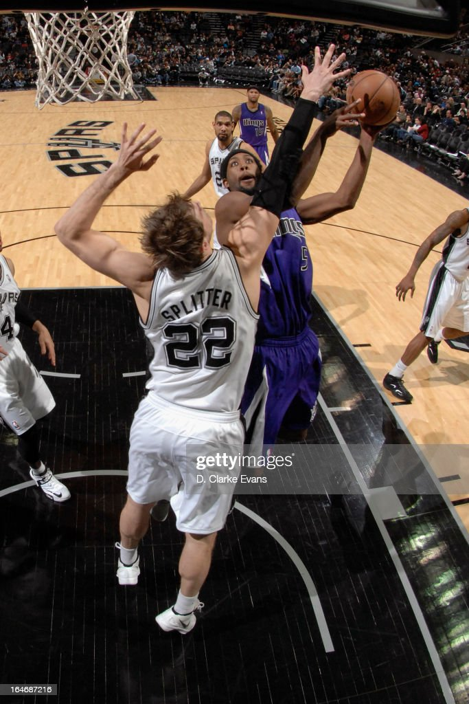 John Salmons #5 of the Sacramento Kings drives to the basket against the San Antonio Spurs on March 1, 2013 at the AT&T Center in San Antonio, Texas.
