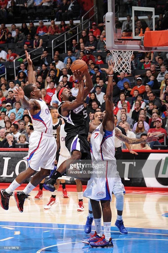 John Salmons #5 of the Sacramento Kings goes to the basket during the game between the Los Angeles Clippers and the Sacramento Kings at Staples Center on December 1, 2012 in Los Angeles, California.