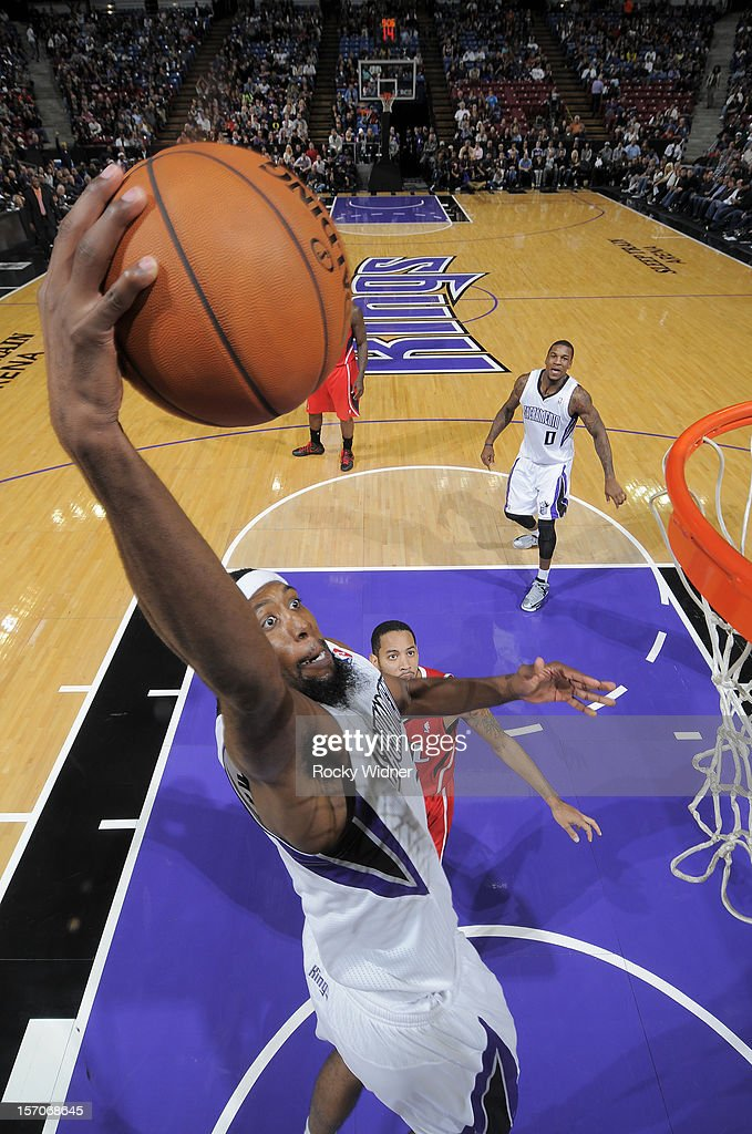 John Salmons #5 of the Sacramento Kings goes up for the dunk against the Atlanta Hawks on November 16, 2012 at Sleep Train Arena in Sacramento, California.