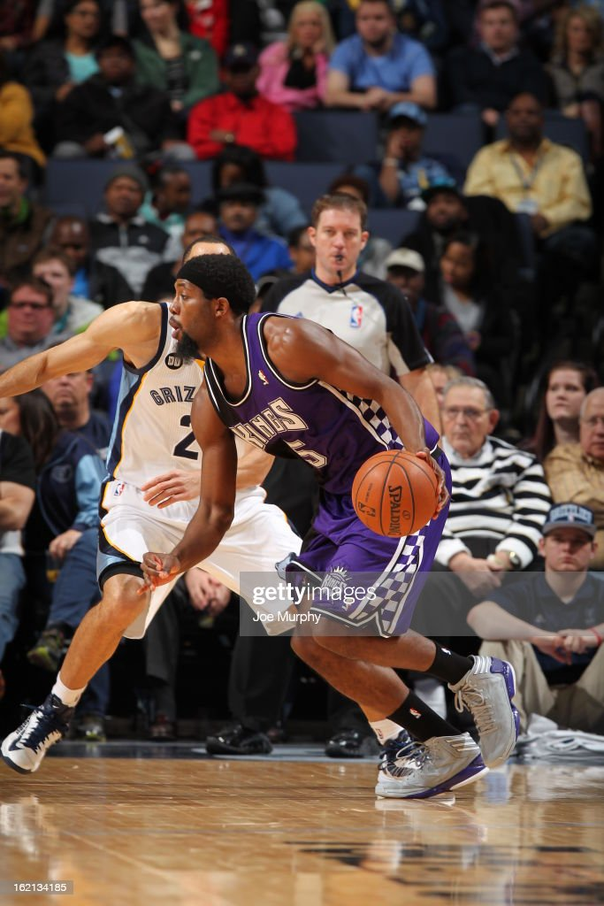 <a gi-track='captionPersonalityLinkClicked' href=/galleries/search?phrase=John+Salmons&family=editorial&specificpeople=202524 ng-click='$event.stopPropagation()'>John Salmons</a> #5 of the Sacramento Kings handles the ball against the Memphis Grizzlies on February 12, 2013 at FedExForum in Memphis, Tennessee.