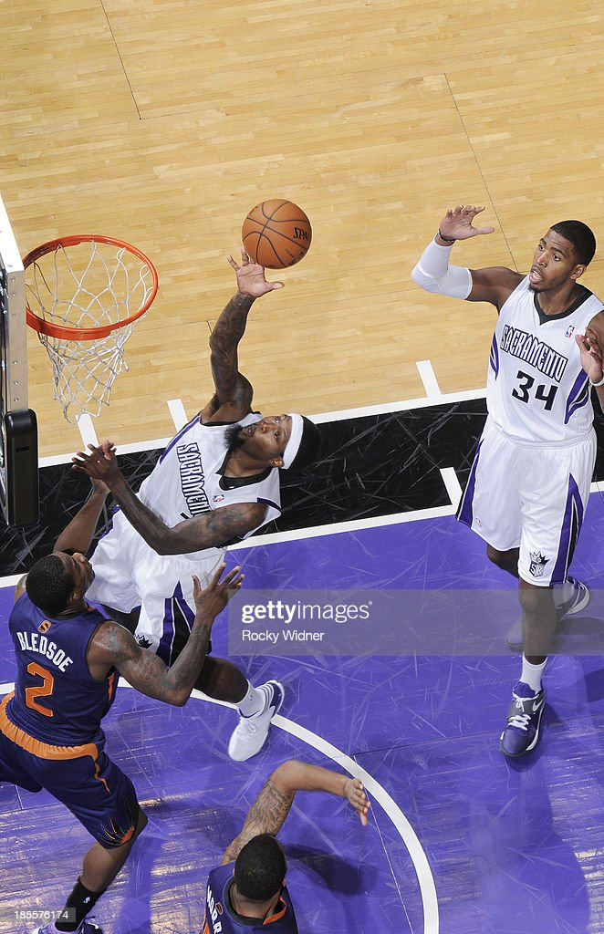 <a gi-track='captionPersonalityLinkClicked' href=/galleries/search?phrase=John+Salmons&family=editorial&specificpeople=202524 ng-click='$event.stopPropagation()'>John Salmons</a> #5 of the Sacramento Kings puts up a shot against <a gi-track='captionPersonalityLinkClicked' href=/galleries/search?phrase=Eric+Bledsoe&family=editorial&specificpeople=6480906 ng-click='$event.stopPropagation()'>Eric Bledsoe</a> #2 of the Phoenix Suns on October 17, 2013 at Sleep Train Arena in Sacramento, California.