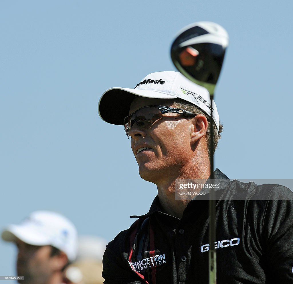 John Senden from Australia plays a tee shot during round three of the Australian Open golf at The Lakes course in Sydney on December 8, 2012. IMAGE STRICTLY RESTRICTED TO EDITORIAL USE - STRICTLY NO COMMERCIAL USE AFP PHOTO / Greg WOOD