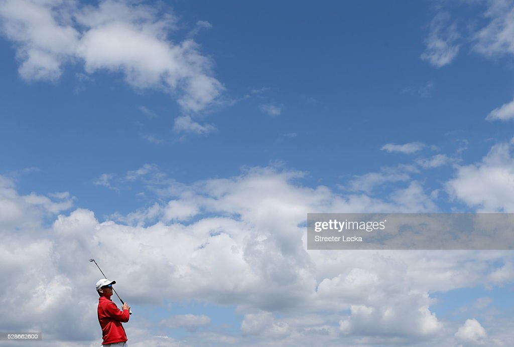John Senden watches a tee shot on the 17th hole during the second round of the 2016 Wells Fargo Championship at Quail Hollow Club on May 6, 2016 in Charlotte, North Carolina.