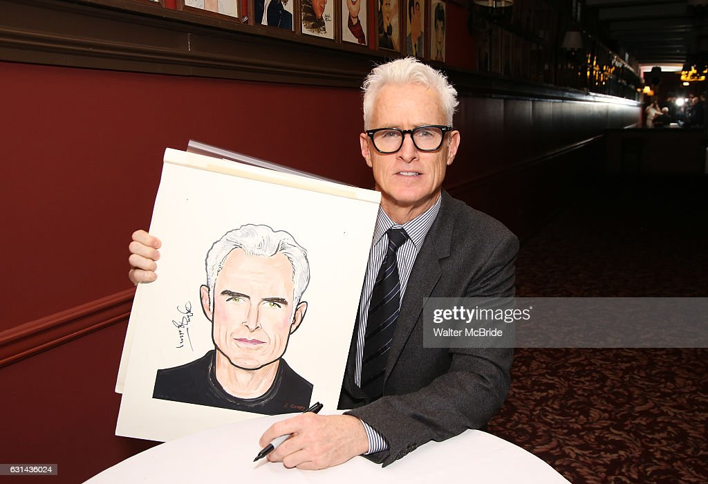John Slattery attends the John Goodman and John Slattery caricature unveiling at Sardi's on January 10, 2017 in New York Cit