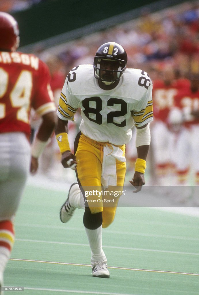 <a gi-track='captionPersonalityLinkClicked' href=/galleries/search?phrase=John+Stallworth&family=editorial&specificpeople=585421 ng-click='$event.stopPropagation()'>John Stallworth</a> #82 of the Pittsburgh Steelers in action against the Kansas City Chiefs during an NFL football game at Arrowhead Stadium November 11, 1979 in Kansas City, Missouri. Stallworth played for the Steelers from 1974-87.