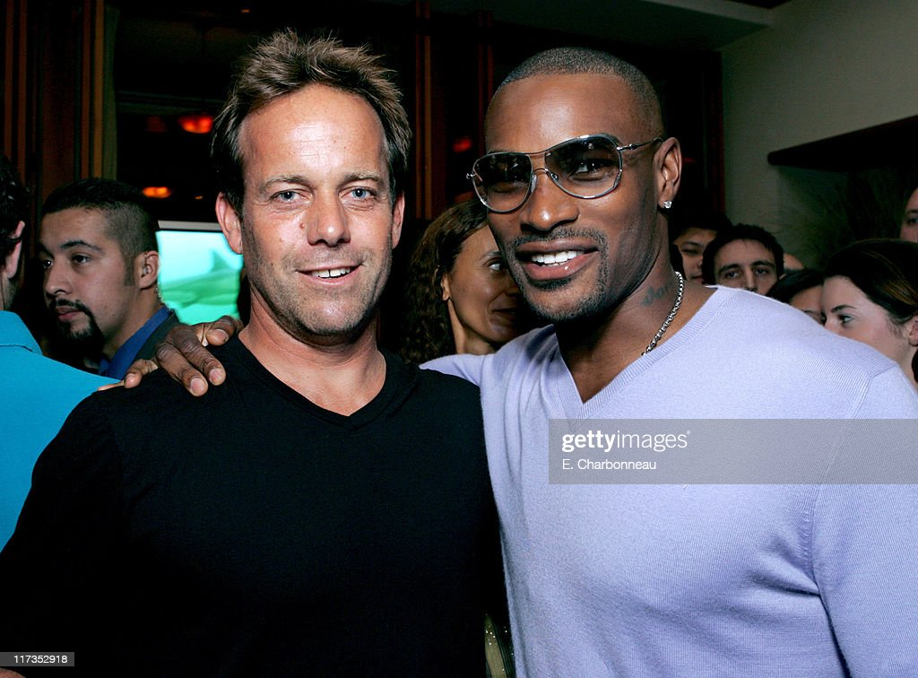 John Stockwell, director of 'Into the Blue' and <a gi-track='captionPersonalityLinkClicked' href=/galleries/search?phrase=Tyson+Beckford&family=editorial&specificpeople=210873 ng-click='$event.stopPropagation()'>Tyson Beckford</a>