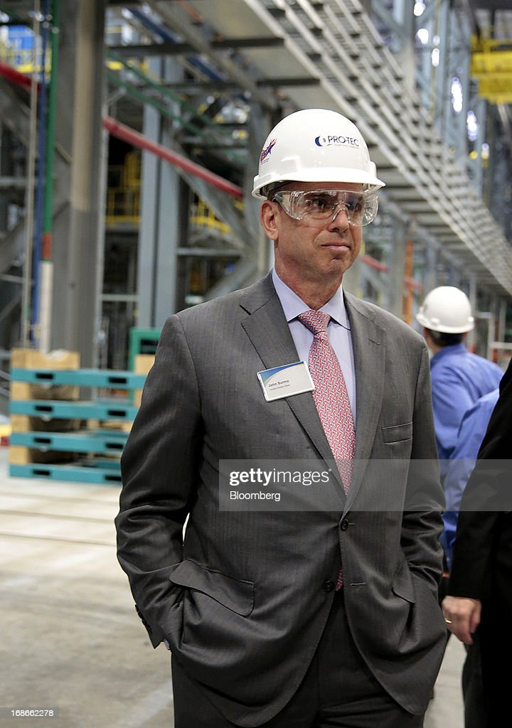 John Surma, chairman and chief executive officer of United States Steel Corp., tours the Continuous Annealing Line (CAL) at the PRO-TEC Coating Co. facility in Leipsic, Ohio, U.S., on Monday, May 13, 2013. PRO-TEC Coating Co. was established as a joint venture in 1990 by two global leaders in steel technology and production: United States Steel Corp. and Kobe Steel Ltd. of Japan. Photographer: Jeff Kowalsky/Bloomberg via Getty Images